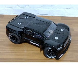 mobo-racing Black Taurus auf Basis Traxxas Slash 4x4 VXL...